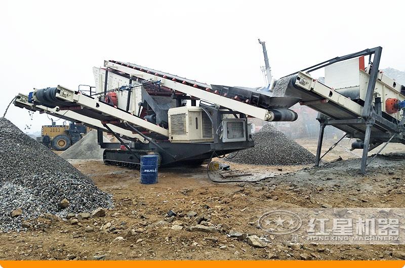 移动石子破碎机工作现场:搭载反击破