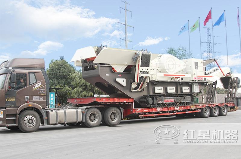 履带移动破碎机设备发往浙江