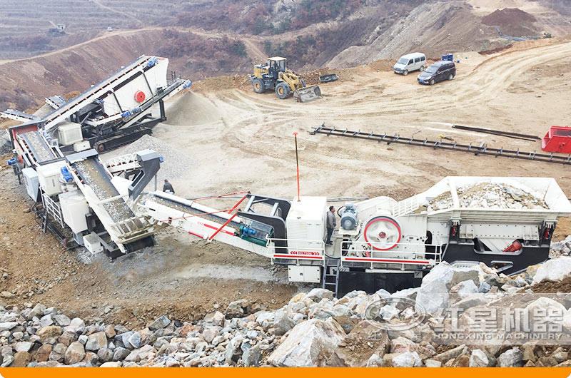 移动石子破碎机工作现场:搭载鄂破机